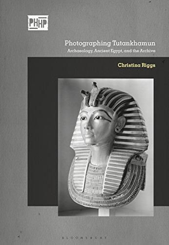 Photographing Tutankhamun (Photography, History: History, Photography) por Christina Riggs