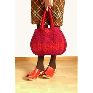Handtasche gehäkelte Tasche Damenhandtasche Frauentasche gefilzte Tasche Henkeltasche dunkelrot mit Blumen aus hochwertiger Wolle.