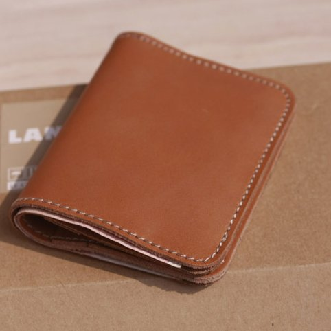 Die Original handgemachte Männer Geldbeutel, kurze vertikale Tasche aus echtem Leder, Leder Mini Geldbörse, Hellbraun Light brown