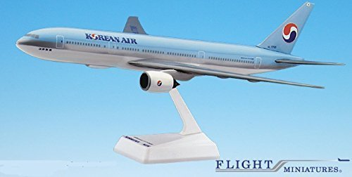 korean-air-84-cur-777-200-airplane-miniature-model-snap-fit-1200-partabo-77720h-011