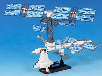 LEGO-Discovery-7467-International-Space-Station