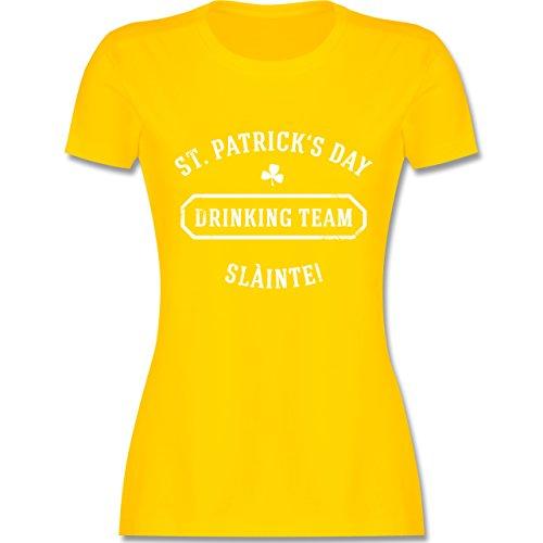 Shirtracer Festival - St. Patrick's Day Drinking Team Sláinte - Damen T-Shirt Rundhals Gelb