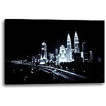 Ciudad de fantasía en la noche arte moderno negro blanco paisaje urbano horizonte noche, 80x60 cm, Impresión de la lona enmarcada en el marco de madera genuino y listo para colgar, impresión de la alta calidad hecha en Alemania.