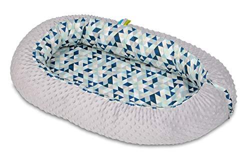 Velinda Kuschelnest Babynest Babynestchen Nestchen Reisebett Wickelauflage Kuschelbett (Muster: Blaue Dreiecke - grau)