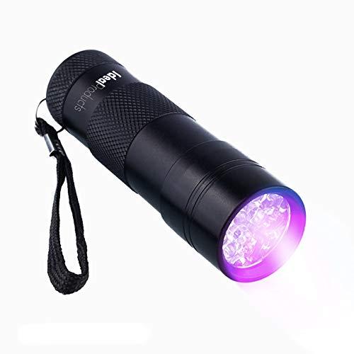 Esta linterna tiene infinidad de usos. Sorpréndase Usted mismo con lo que verá dando una vuelta por su casa en la oscuridad! Con 12 luces LED ultravioleta y una longitud de onda de 395nm, la linterna muestra la tinción de fluorescencia con gran clari...