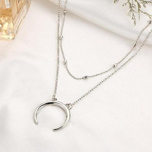 2a8d03ddf265 Buweiser Match Pendant Necklace Crescent Moon Horn Clavicle Chain Necklace  Short Necklace Decoration (Silver)
