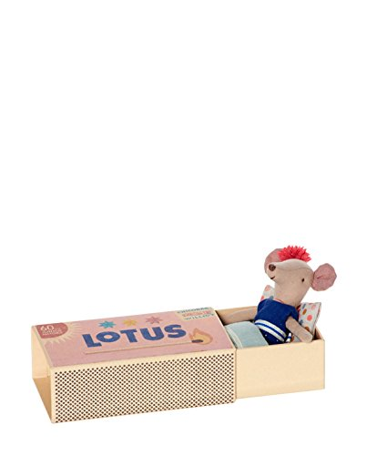 maileg-big-sister-matchbox-raton-azul-marino-vestido-en-caja-con-ropa-de-cama