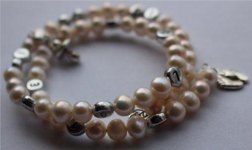 jazzy-beads-creamy-white-freshwater-pearl-breastfeeding-timeline-bracelet
