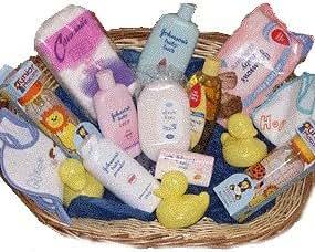 johnsons cadeau de naissance panier garni avec produits de toilette johnsons fr b 233 b 233 s