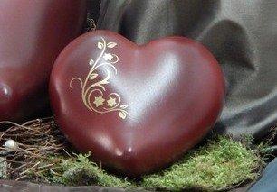 Tierurne - Herz aus Keramik, Rot schattiert mit goldf. Ornament, Vol. ca. 0,55 Ltr.