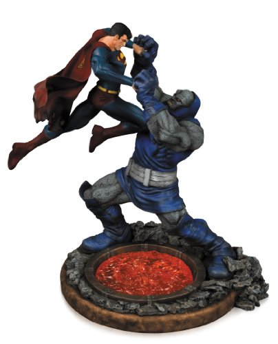 DC Collectibles - Estatua de resina de Superman vs Darkseid, 32 cm (dccapr140310)