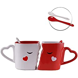 Juego de 2 Tazas de Desayuno Café o Te – Accesorio de Cerámica Besándose – Cuchara de Corazón de Amor – Caja de Regalo para día San Valentín con Frase de Love