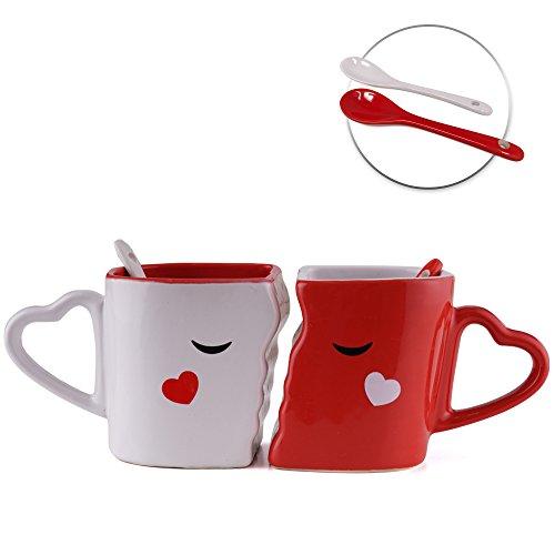 San valentino - tazze che baciano che si incastrano perfettamente, appositamente realizzate, ciascuna con cucchiai di ceramica. confezione regalo per lui e lei - ideale per romantico