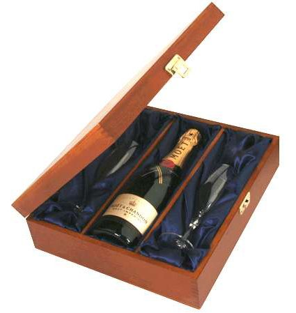 moet-and-chandon-brut-and-flutes-in-luxury-presentation-box-nv
