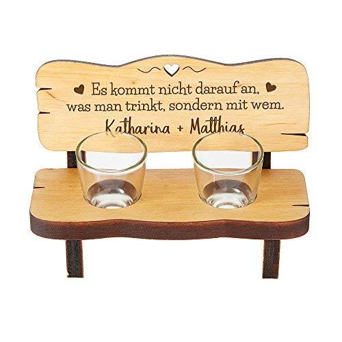 Schnapsbank mit zwei Schnapsgläsern und Gravur - Romantischer Trinkspruch - Personalisiert mit [Namen] - Schnapsbankerl aus Erlenholz - Geschenk zum Valentinstag - Für Verliebte - Hochzeitsgeschenk
