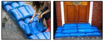 HydroSack - Blue - Pack of 2 - The Instant Sandbag For Flood Prevention - Has a highly absorbent core & can absorb up to 20 litres - Has handles for minimal contact