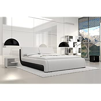 doppelbett kunstlederbett ripani 180 x 200 cm weiss schwarzes kopfteil mit ziern hten modernes. Black Bedroom Furniture Sets. Home Design Ideas