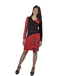 Longue robe à manches avec un design col en V et l'arbre de la broderie.