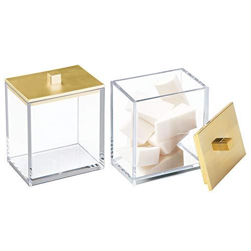 mDesign 2er-Set Wattepad-Spender und Wattestäbchen-Behälter – modernes Aufbewahrungsglas mit praktischem Deckel – Bad-Accessoire aus Kunststoff für Kosmetik- und Pflegeprodukte – durchsichtig/gold