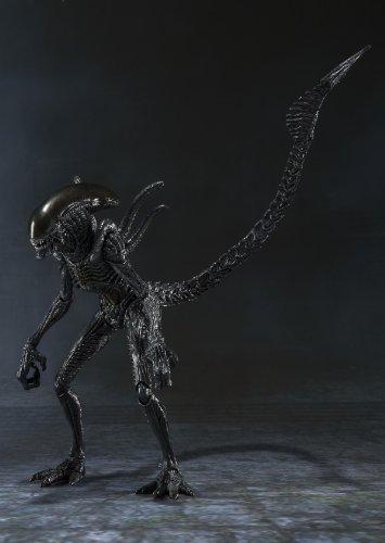 Bandai Tamashii Nations S.H. MonsterArts Alien Warrior Action Figure 1