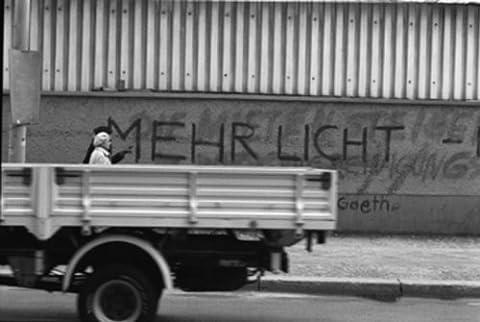 Berlin Papier Peint–Wall Paper on Demand–Papier Peint Photo–Reportage–Berlin–Plus de lumière.