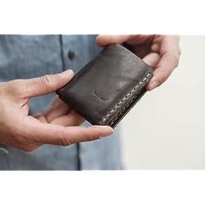 kleine, graue Männer Geldbörse MONO aus festem Leder - unser handgenähter Herren Geldbeutel