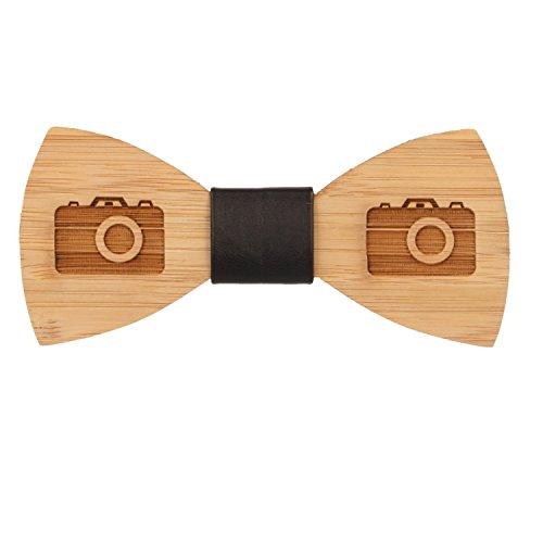 Lelio & friends Designer Holzfliege, handgearbeitet, Naturholz. Ob lässig zur Party, zu Karneval oder als besonderes Accessoire zur Berufsbekleidung, ein extravaganter Hingucker (Camera)