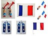 Mondial 2018 - Kit supporteur pour la FRANCE : 2 Echarpes de 130 x 15 cm avec franges + 1 Grand Drapeau en tissu de 150 x 90 cm + 1 drapeau de voiture à clipser sur la vitre de 30 x 45 cm + 2 drapeaux à main de 21 x 14 cm avec manche + 2 klaxons à piston sans gaz de 110 db.