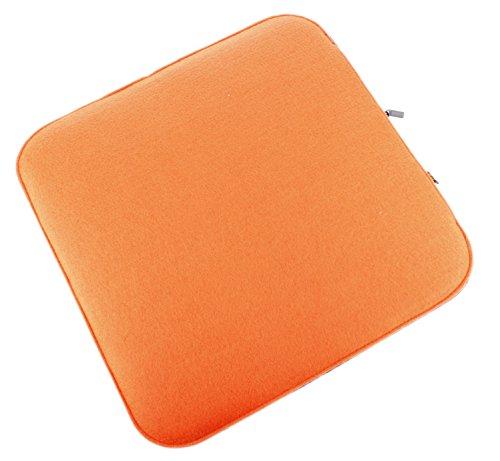 Filz Sitzkissen in orange und dunkelgrau zum Wenden, waschbare Stuhlauflage mit Füllung inkl. Reissverschluss. Moderne Sitzauflage für Bank und Stuhl mit runden Ecken, weich gepolstert. Designer Sitzpolster / Filzauflage, quadratisch ca. 35x35cm groß