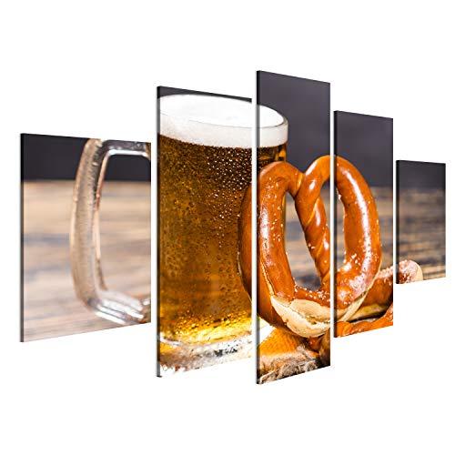 bilderfelix® Bild auf Leinwand Alkohol, Flüssigkeit, Nahrungsmittelkonzept - eine enorme Schale Bier auf Einer Tabelle mit einem Bagel. Wandbild, Poster, Leinwandbild OKQ