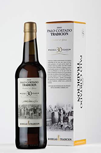 Palo Cortado es un vino muy especial, elegante y único al mismo tiempo, procedente de ciertos vinos de Jerez que son muy peculiares por su fermentación y envejecimiento en botas de roble americano donde desarrollan sus atípicas características: subli...