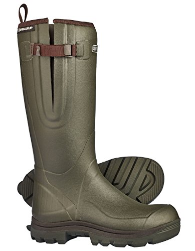 The Skellerup Quattro Sport Green Field Welly Wellington Boots features advanced technology in wellies while maintaining a distinctive, country look.