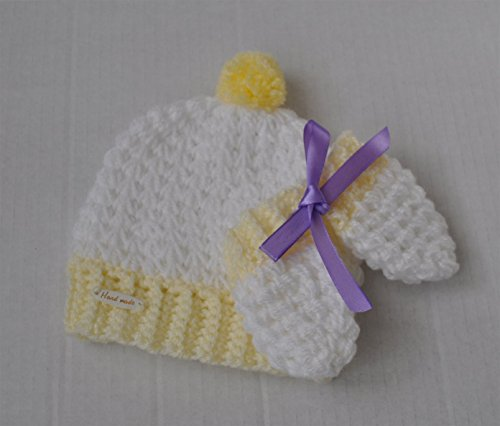 handmade-crochet-baby-pom-pom-beanie-hat-and-mittens-set-babyshower-giftset-photoprops-unique-stylis