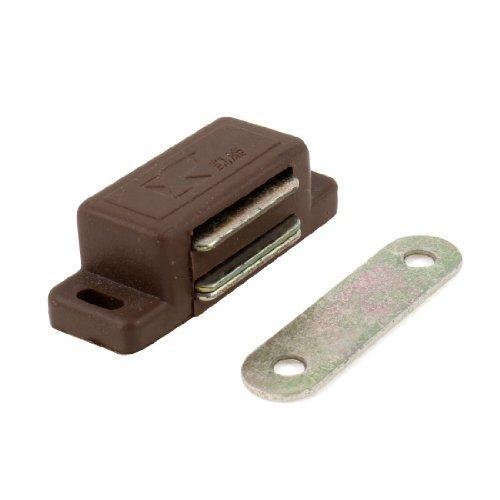 Preisvergleich Produktbild Braun Kunststoff Shell Metal Plate Schranktür Magnetverschluss 4, 6 cm