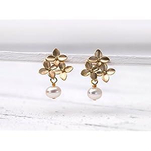 Romantische Perlen-Ohrringe, Hochzeit, Braut-Schmuck, matt-vergoldete Blüten-Ohr-Stecker mit echter Süßwasser-Perle, das perfekte Geschenk für Sie