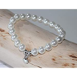 Perlenarmband mit Herzanhänger in silber farben Armband Damen Herz modern Glasperlen Perlen in verschiedene Farben erhältlich