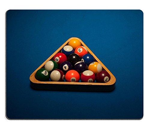 luxlady Gaming Mousepad Bild-ID: 30290975Colorful nummeriert Pool farbigen Kugeln in ein Holz dreieckiger Rack bereit für einen neuen Spiel oder Rahmen auf Blau Filz (Kugel-rahmen)