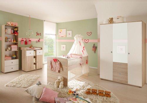 4-tlg. Babyzimmer komplett Set WIKI 2 in Eiche Sonoma / Weiß Babymöbel Komplettset mit grossem Kleiderschrank mit 3 Türen (davon 1 Spiegeltür), Babybett, Lattenrost, Wickelkommode mit Wickelaufsatz und Standregal, Komplettzimmer Möbel komplett Set Kindermöbel Babymöbel