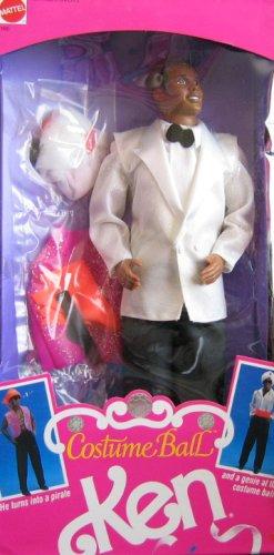 Barbie Kostüm Ball Ken Puppe AA–verwandelt von Piraten bis Genie (1990) (Costume Ball Barbie)