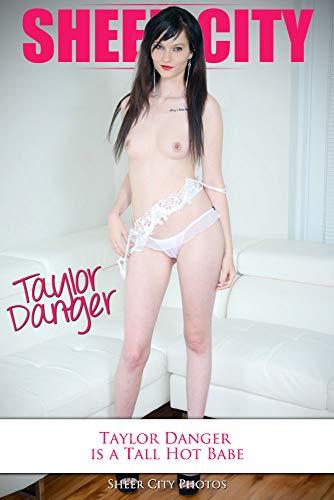 Young hot women nude