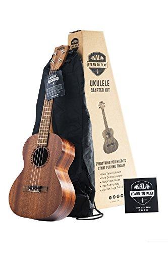 Il kit ufficiale per principianti Learn to Play Ukulele per ukulele tenore in mogano satinato di Kala include lezioni online, l'app per accordare e un opuscolo