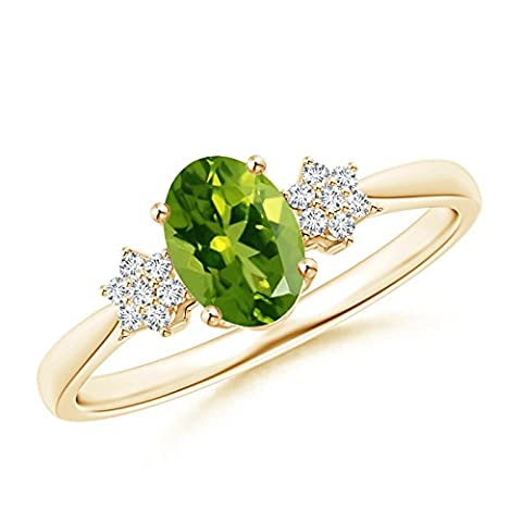 Tapered Oval Peridot Solitaire Ring with Diamond Clusters in 14K Yellow Gold (7x5mm Peridot)