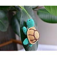 Tartaruga giocattolo, regali in miniatura all'uncinetto, animali impagliati, tartarugato