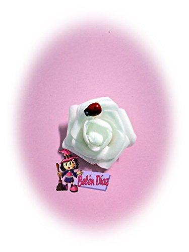 Broche rosa detalles invitados comunión o boda. Fofuchas personalizadas goma eva