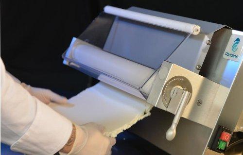 Maxy Sfogly Ausrollmaschine von VELMA S.r.l. Pastaline – Diese Teigausrollmaschinen sind ideal für die Verarbeitung von zuckerhaltigem Teig, Modellierschokolade und Marzipan, jedoch auch für Blätter- und Mürbeteig – 2 Jahre Garantie - 2