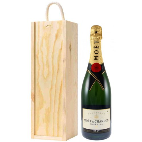 2BearStepsPrime Moet and Chandon Brut Imperial Champagne in Wooden Gift Box NV 75 cl