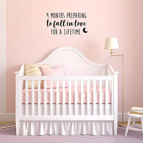 nyl, Motiv 9 Months Preparing to Fall in Love for A Lifetime - 48,3 x 88,9 cm - süßes, charmantes Baby-Zitat für Zuhause, Kinderzimmer, Wohnzimmer, Wohnzimmer, Innendekoration ()