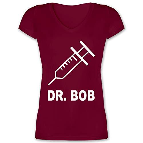 Karneval & Fasching - Dr. Bob Kostüm Spritze - L - Bordeauxrot - XO1525 - Damen T-Shirt mit V-Ausschnitt