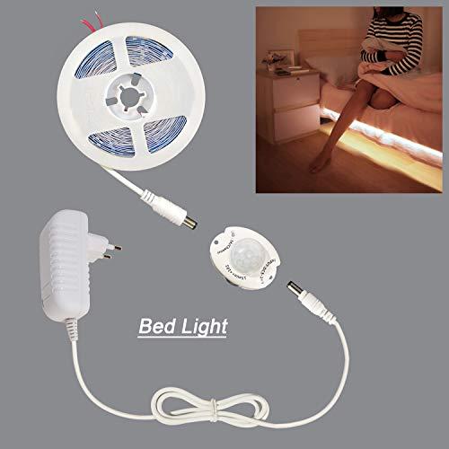 STBTECH LED Cabinet Light Bed Bed Activé par le Mouvement 5M 16.4ft SMD 2835 Bande LED DC 12V PIR Capteur de Mouvement Lampe Blanc Chaud Veilleuse Penderie Lampe Bande Lllumination 2A Alimentation