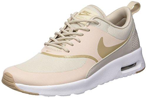 NIKE Damen Sneaker Air Max Thea Laufschuhe, Grau (Desert Sand/White 033), 44 EU -
